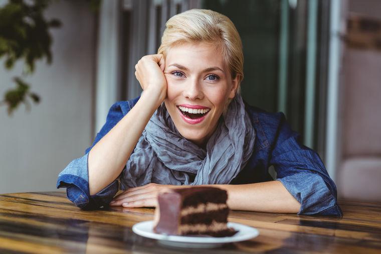 Njeno veličanstvo crna čokolada: Jedina poslastica sa kojom mršavite! (RECEPT)