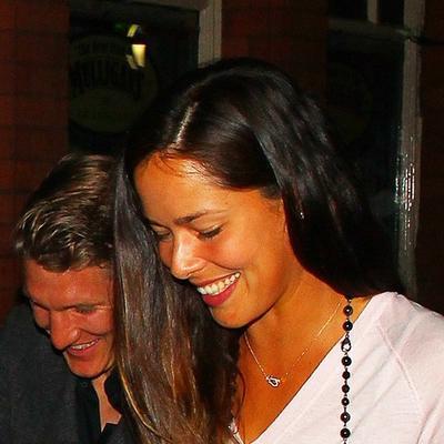Ana Ivanović i Bastijan Švajnštajger: Romantična večera puna ljubavi! (FOTO)