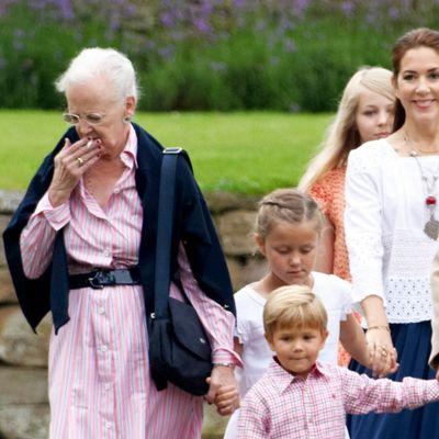 Kraljica Margareta razbesnela javnost: Zbog ovoga je svi osuđuju! (FOTO)