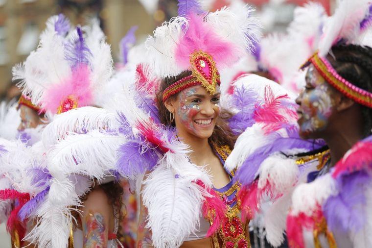 Ludilo na ulicama Londona: Čuveni Noting Hil karneval!