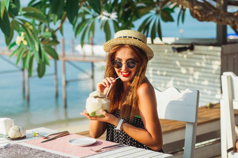 Pijte kokosovu vodu 7 dana uzastopno: Rezultat će vas naterati da nastavite!