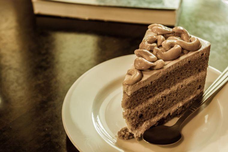 Lagana torta od badema