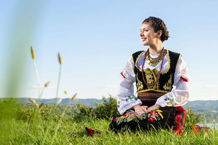srpska-narodna-nosnja-1441622820-67496.j