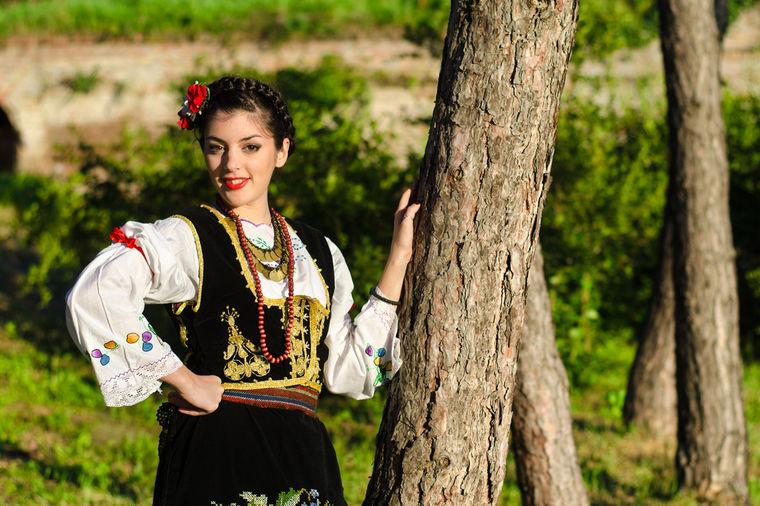 srpska-narodna-nosnja-1441622788-67498.j
