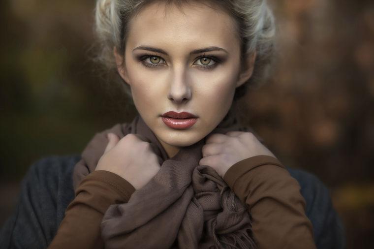 Zašto žene gube kosu: Otkriveni glavni razlozi!