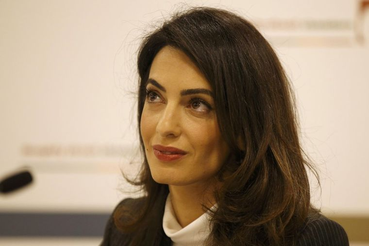 Omaklo joj se: Amal Kluni pokazala više nego što je planirala! (FOTO)