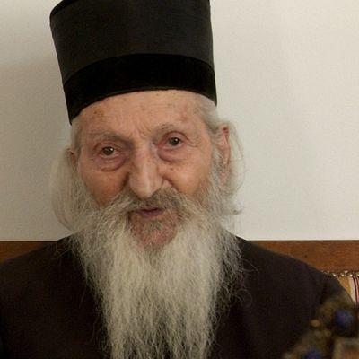 Pitanje koje je zanimalo patrijarha Pavla: Razmislite šta vam je bitno! (VIDEO)