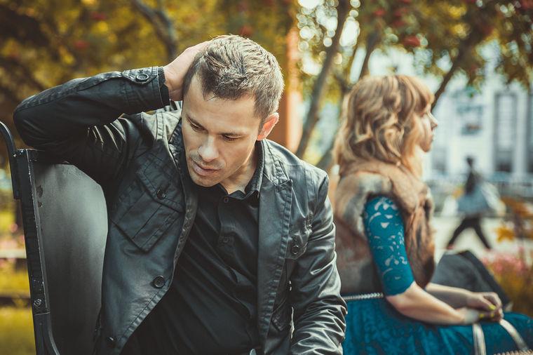 On je nesrećan sa tobom: 6 znakova da vašoj vezi nema spasa!