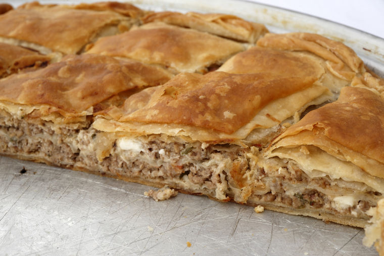 Potrpuša: Najukusnija pita iz Srbije koju morate da napravite barem jednom u životu! (RECEPT)