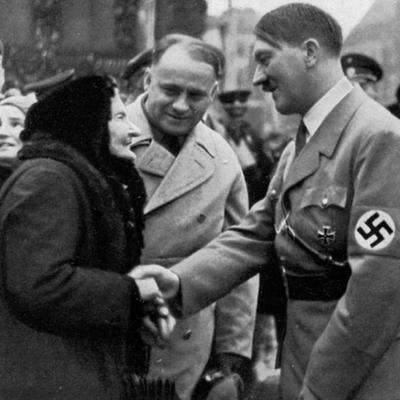 Ispovest sina masovnog ubice: Hitler mi je bio kum, a moj otac slepo zaljubljen u njega!