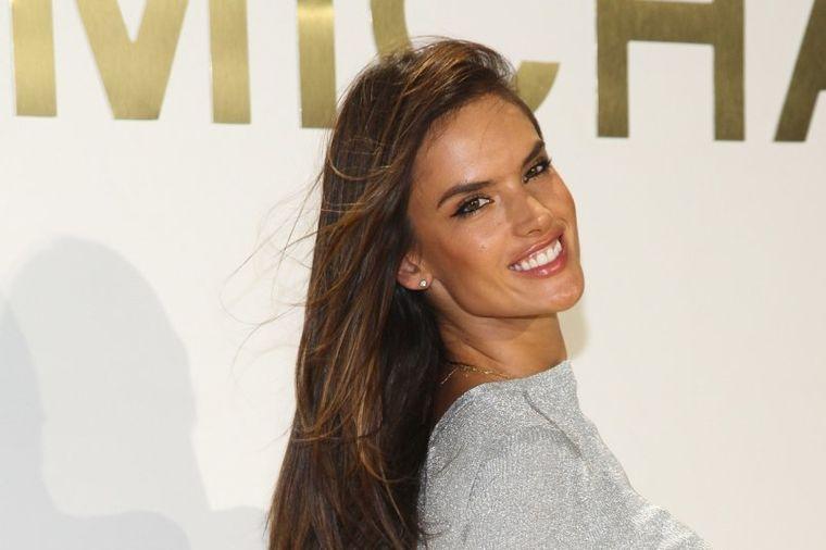 Alesandra Ambrozio više ne izgleda ovako: Promenila imidž! (FOTO)