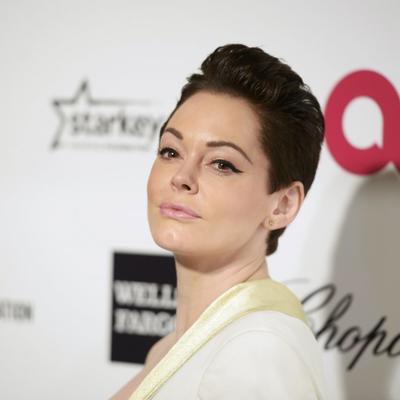 Drastična promena imidža: Glumica obrijala glavu! (FOTO)
