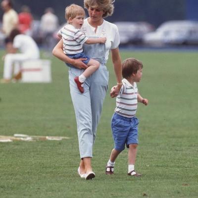 Sećanje na mamu bledi: Ispovest princa Harija rastužila svet (FOTO)