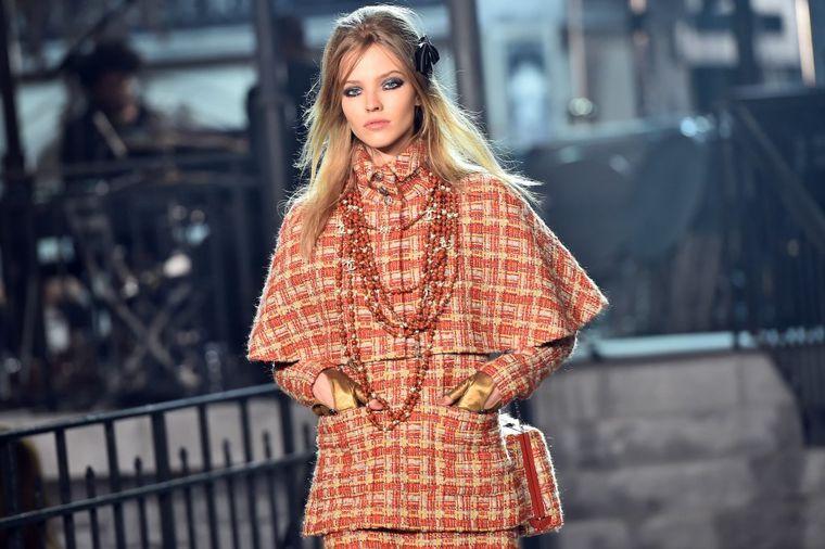 Šanel modna revija ostavlja bez daha: Karl Lagerfeld preselio Pariz u Rim! (FOTO)