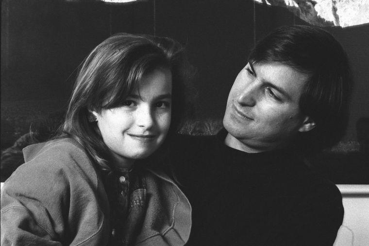 Stiv Džobs godinama negirao da mu je ona kćerka: Strpljivo čekala na očevu ljubav!