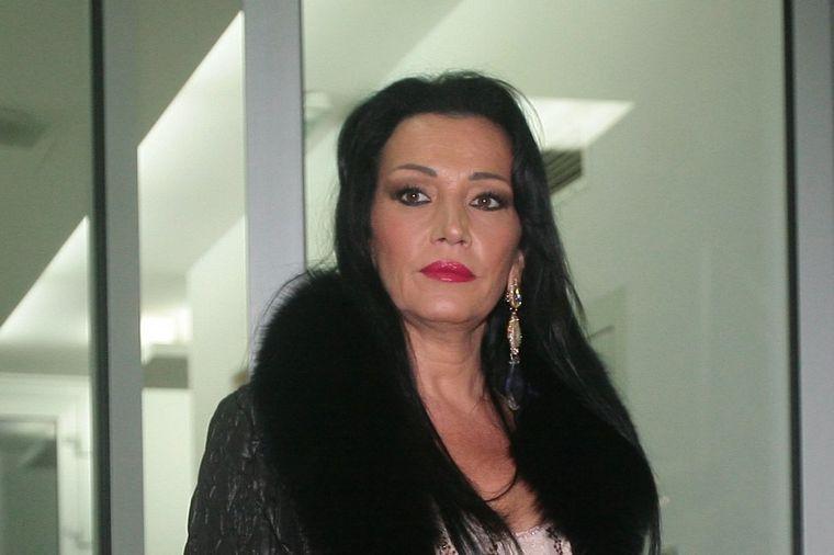 Sinu Goce Božinovske drug pucao u glavu: Pevačica digla ruke od Mirka! (VIDEO...