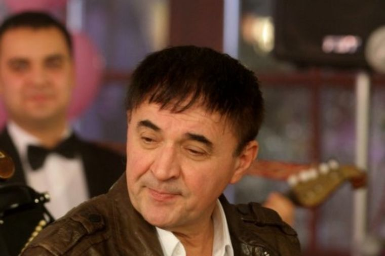 Mitar Mirić se ispalio: Nisam radio taj Fejsbuk, ili fejslifting!