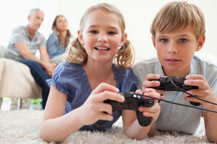 Istraživanje pokazalo: Deca veruju svemu što pročitaju na Internetu!