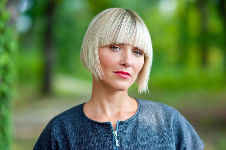 Žene ih ignorišu, lekari često greše: Prva dva simptoma raka jajnika!