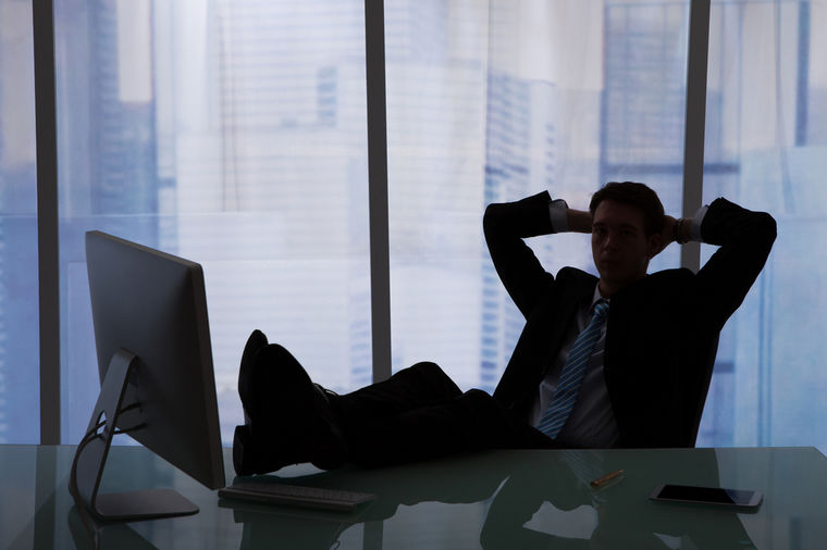 Više od polovine muškaraca mašta o koleginici sa posla, ali na tome se ne zaustavljaju!