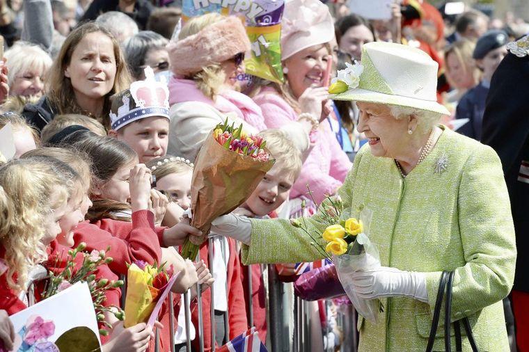 Slavlje u Velikoj Britaniji: Danas se obeležava 90. rođendan kraljice Elizabete! (FOTO)