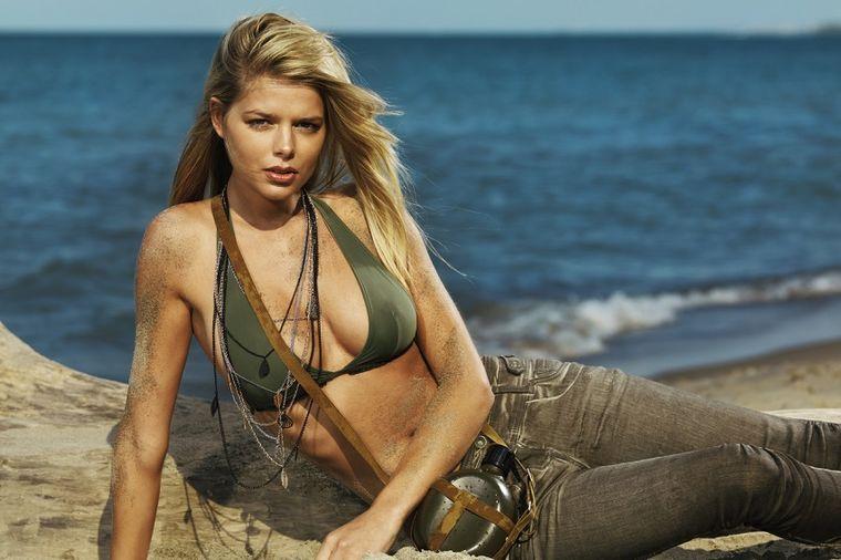 Žena na plaži, Profimedia