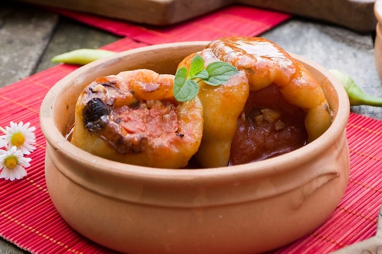 Posno jelo na vodi, idealno za Veliki petak: Paprike punjene pečurkama (RECEPT)