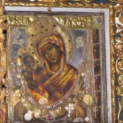 Danas je praznik ikone Presvete Bogorodice Pećke: Čudotvornoj svetinji se molite ovako! (VIDEO)
