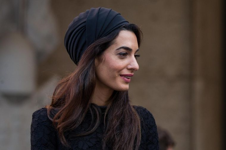 Kopira Džeki Kenedi: Amal Kluni bacila supruga u drugi plan! (FOTO)