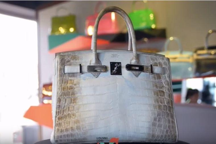 Samo najmoćnije žene je nose: Famozna torba od krokodilske kože, belog zlata i dijamanata! (VIDEO)