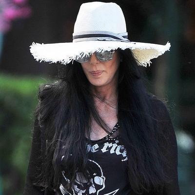 Najbogatija pevačica na ivici propasti: Izjeda je opaka bolest, organi otkazuju, ostala bez dinara!