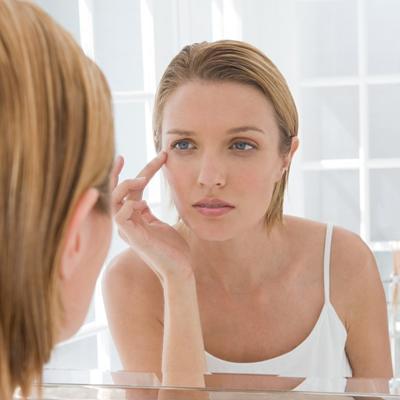 Zašto žensko lice gubi svežinu, sjaj i zdrav izgled tena: Greška koju nesvesno pravite
