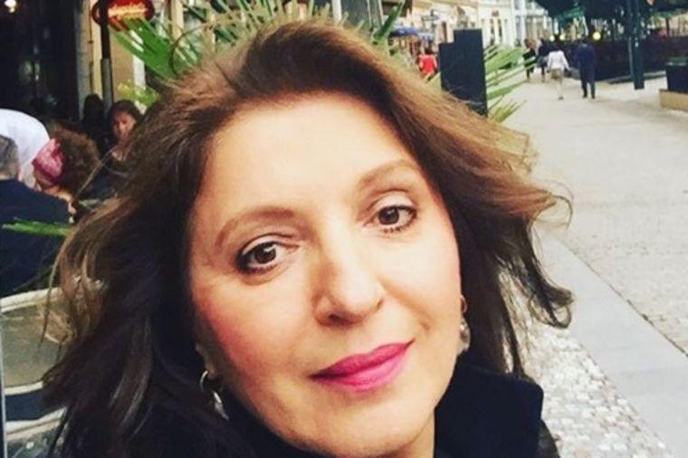 Mirjana Karanović (59) gola na plaži: Nema čega da se stidi! (FOTO)