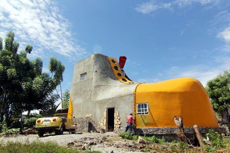 Kreativnost radnika u Indoneziji: Kuća u obliku cipele!