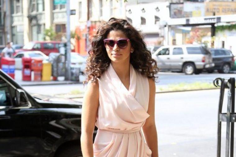 Ova dama zna šta je stil: Njene letnje haljine ostavljaju bez daha! (FOTO)