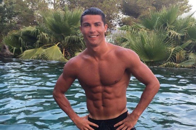 Jedini razlog zašto Ronaldo nema nijednu tetovažu: Potpuno neverovatno! (FOTO)