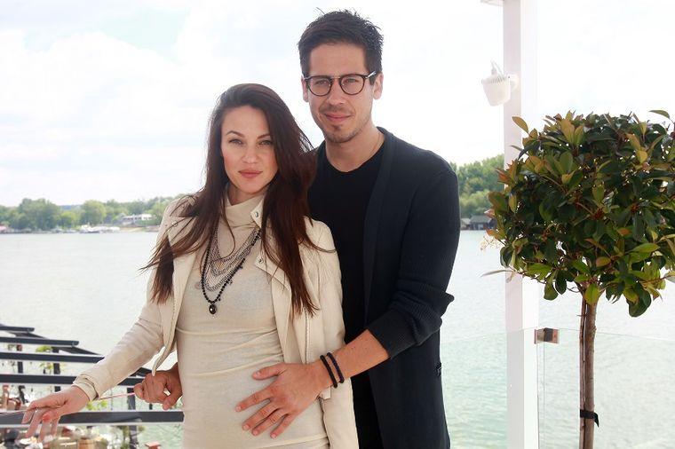 Nikola Rokvić trudnoj supruzi: Dosta je bilo, više se nećemo razdvajati! (FOTO)