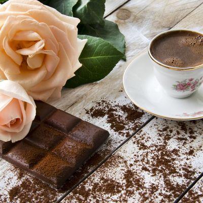 Domaća, crna kafa: Reguliše probavu, skida celulit, briše bore!