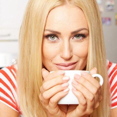 U jutarnju kafu sipajte dve kašičice ove smese: Gledajte kako se salo otapa! (RECEPT)