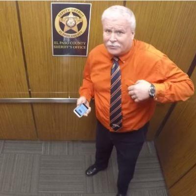 Ostao je sam u liftu: Ono što je kamera snimila obišlo je ceo svet! (VIDEO)