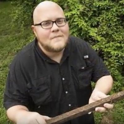 Salo mu spasilo život: Čovek koji je preživeo udar groma, ujed otrovnog pauka i zmije!