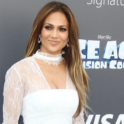Ovo može samo Dženifer Lopez: Opasno seksi haljina za susret sa bivšim (FOTO)