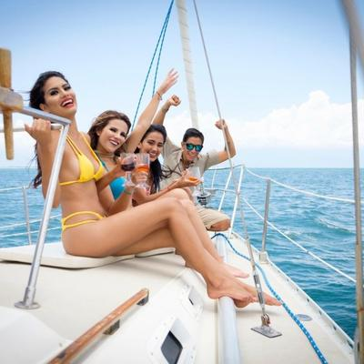 Posada sa broda otkrila poverljive detalje: Razvrat, droga i rasipanje svetske elite!