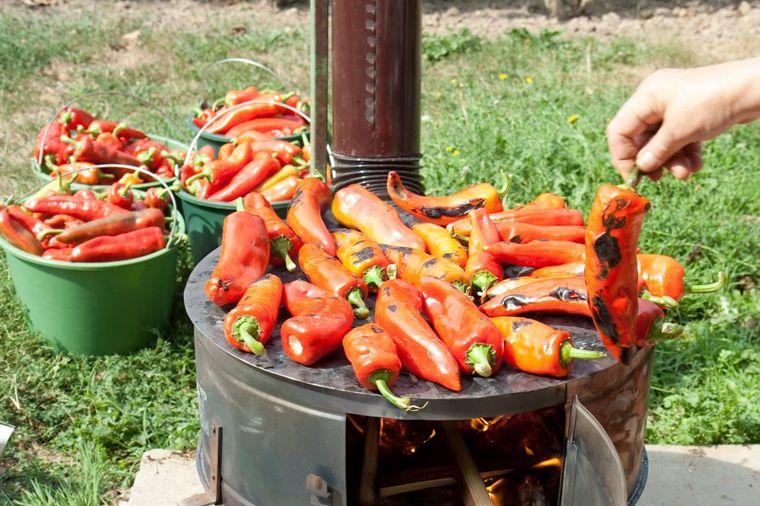Recept za makedonski ajvar: Zapis star decenijama, uspeva baš svima! (FOTO)