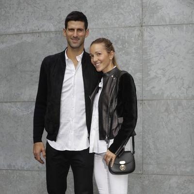 Bez greške: Jelena i Novak Đoković perfektno stilizovani na Armani reviji! (FOTO)