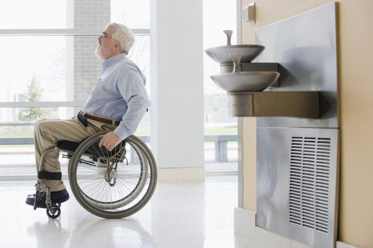 Lekari mu upropastili život: Zbog pogrešne dijagnoze 43 godine proveo u kolicima!