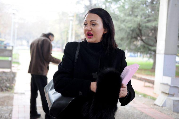 Jelena Nađ: Pošto moj muž laže, mora da skreće temu!