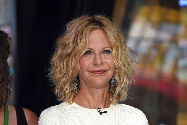 Retko pojavljivanje slavne glumice (54) izazvalo pometnju: Zaledila lice, ne može ni da se nasmeje!