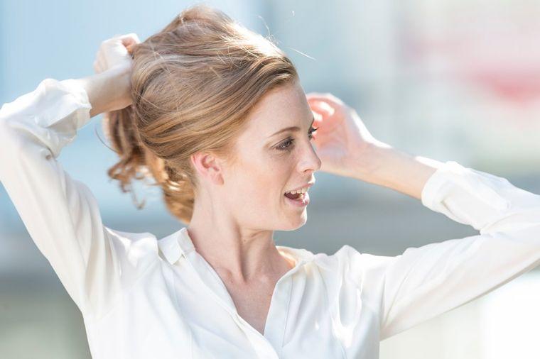 Kako da se probudite sa savršenom kosom: 7 trikova za ženu bez mane!