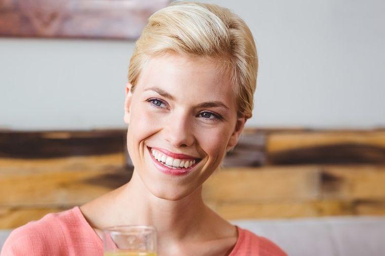 Jednu kap sipajte u vodu i popijte: Šta sve leči najzdravije eterično ulje!